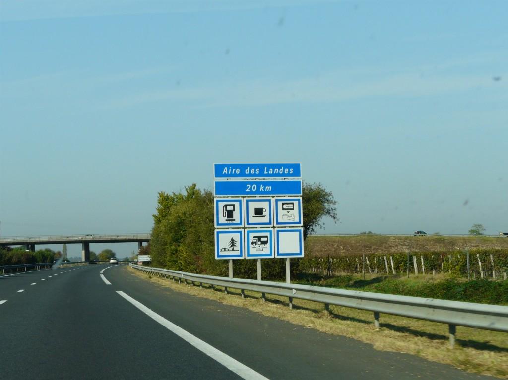 Autoroute_A62_panneau_aire_des_Landes